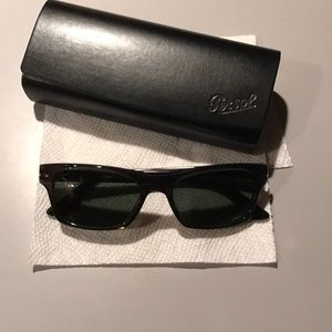 NWOT Persol black rectangle sunglasses PO3037s